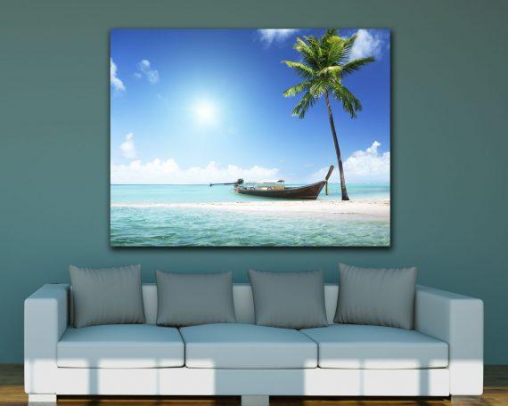 stampa su tela-barca di legno sulla spiaggia