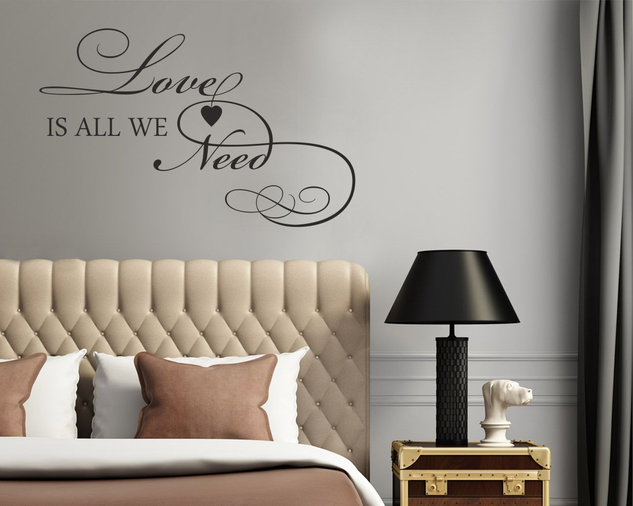 Adesivo murale-love is all we need